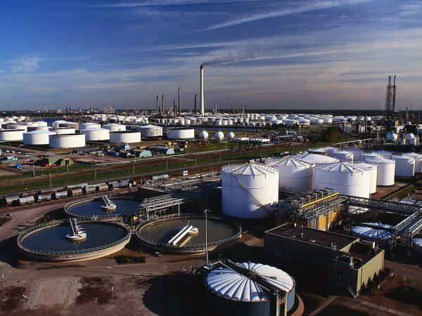 SMC_Oil_Refinery